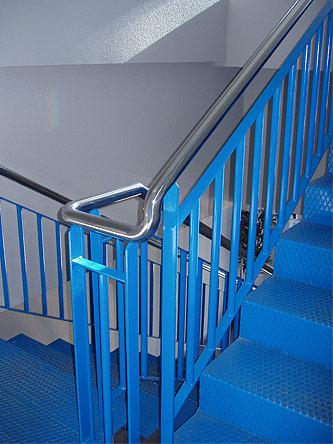 Escaleras exteriores e interiores barandillas rejas auto for Escaleras exteriores